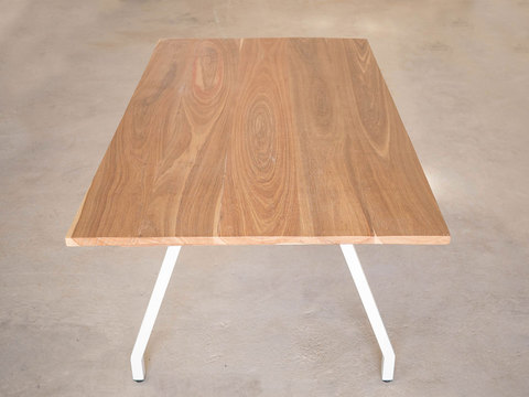 Tabled a frame table 01