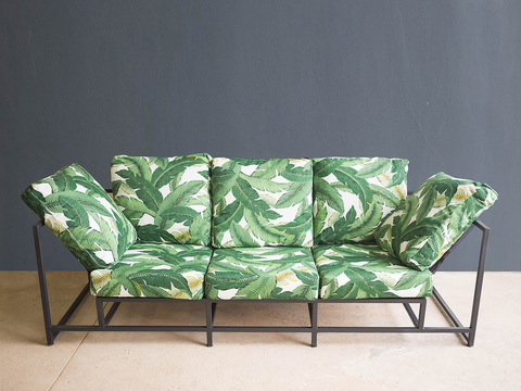 Tabled jungle lounger 01