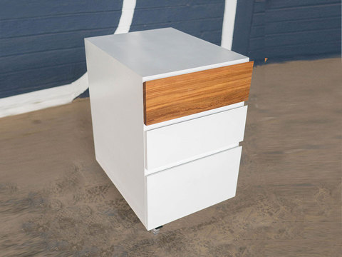 Tabled pitch drawer 01