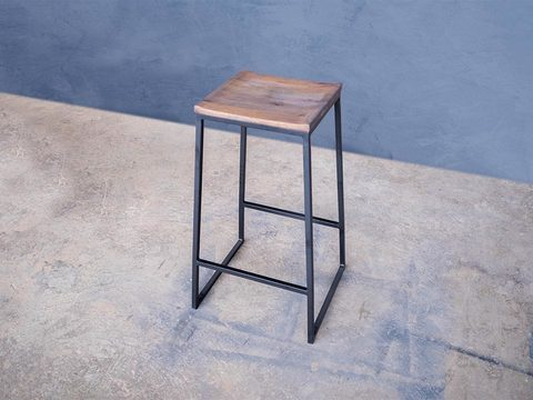 Tabled hoove stool 03