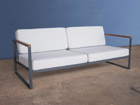 Tabled studio couch 01